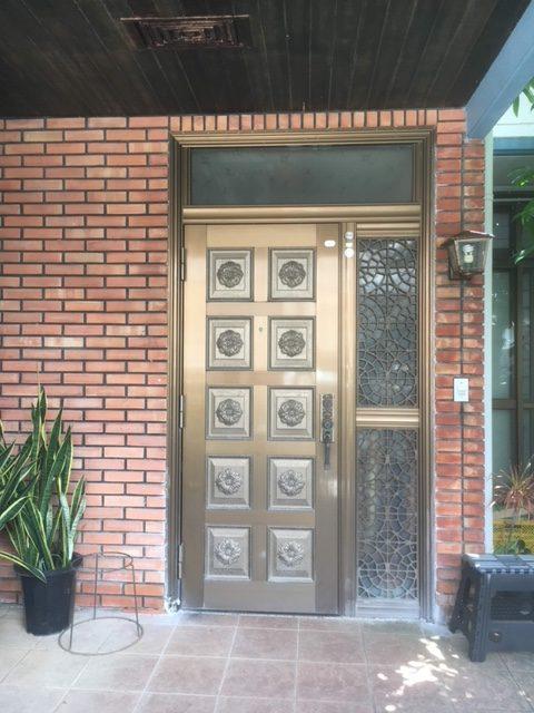 カバー工法玄関ドアリフォーム