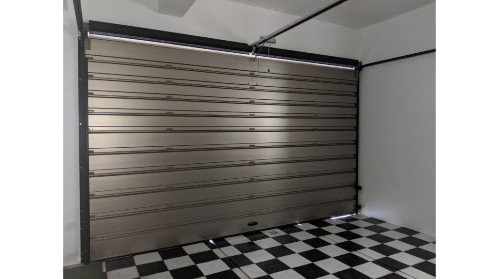 リフォームで車両守るガレージ新設