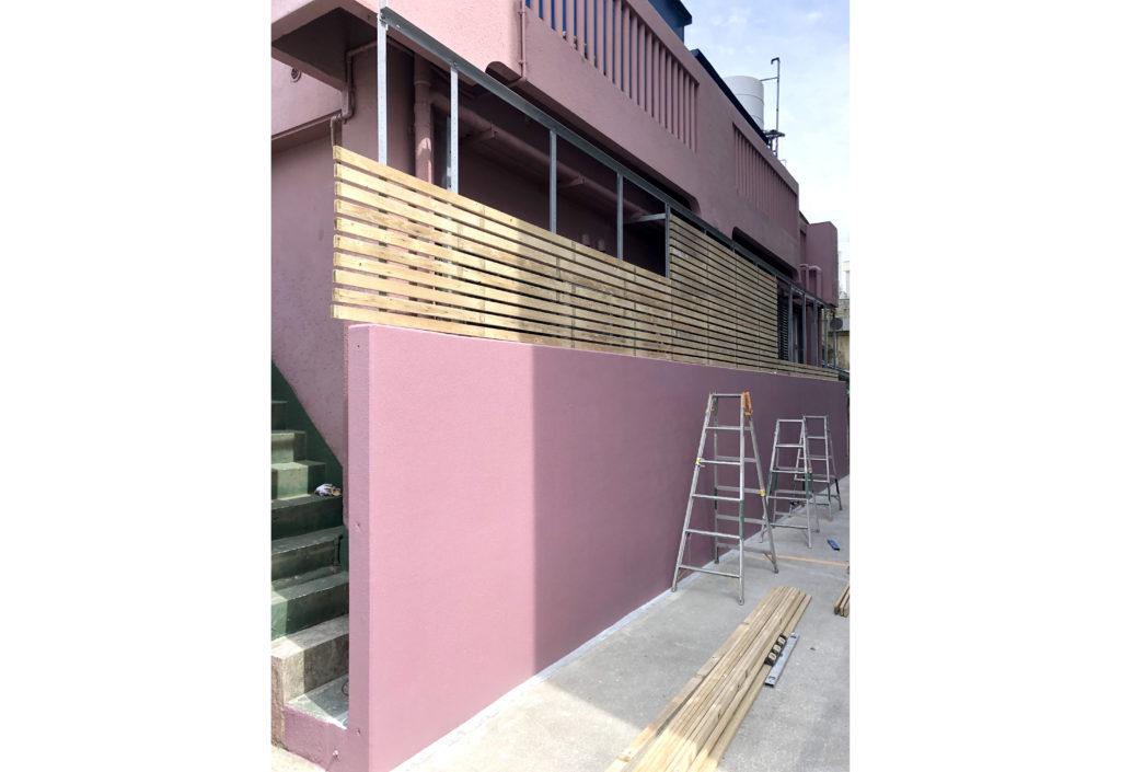 リフォームで新しい仕切り壁(塀)を