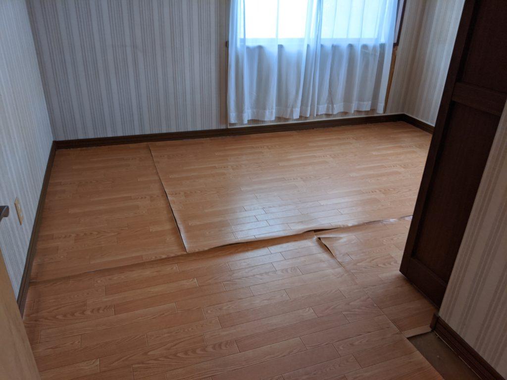 リフォームで安心感ある床とテラスに