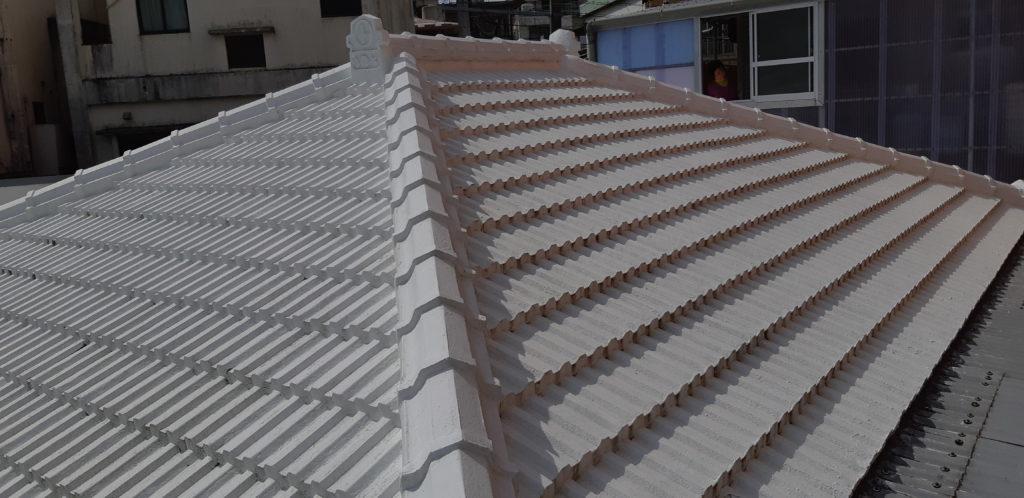 瓦屋根やトタンの凹凸部分もしっかり防水