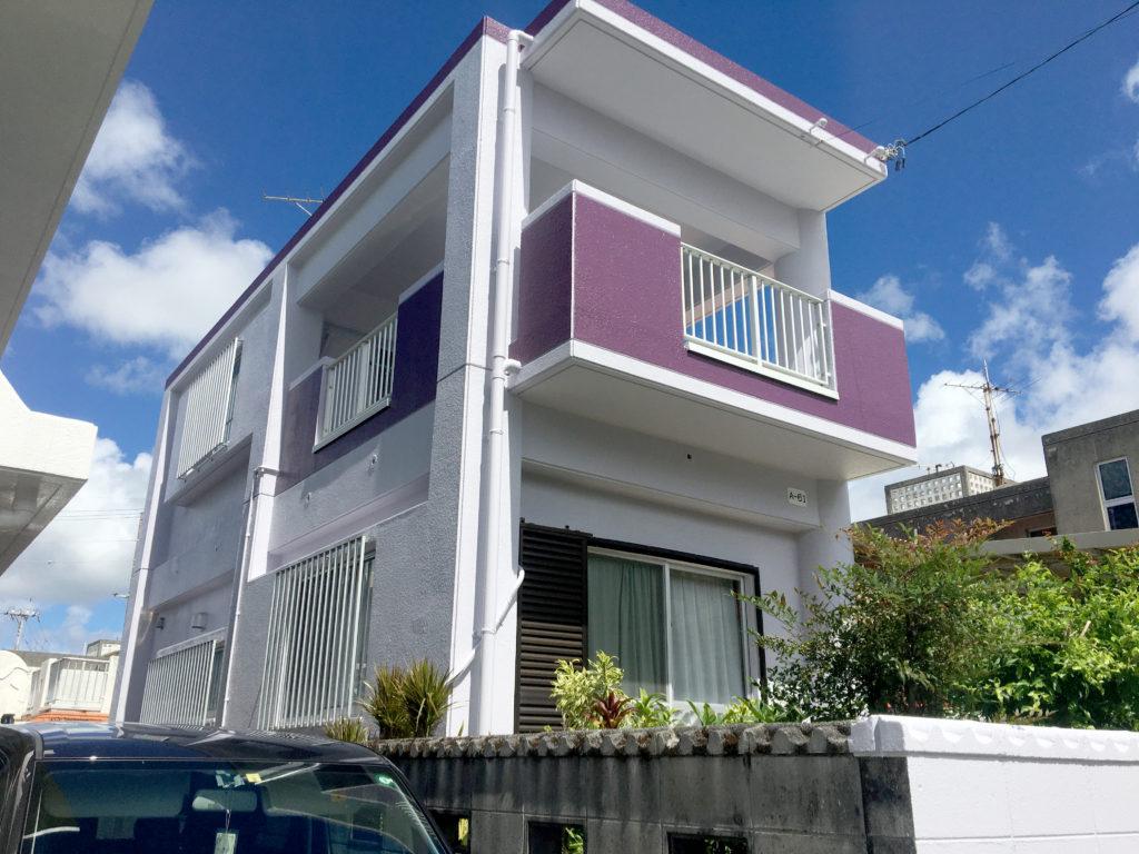 リフォームで2色の綺麗な住宅に